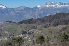 Gîte sous les trois pics sur les coteaux sud de Sainte Agnès - Vue sur le massif de Chartreuse
